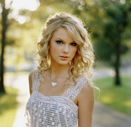 Music Videos Taylor Swift on Taylor Swift Is Classy Not Trashy Which Is Why Her Videos Aren T