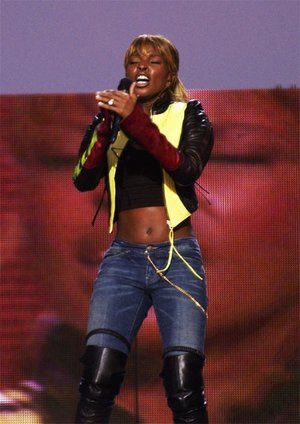 Mary J. Blige performs on the National Mall in Washington, DC